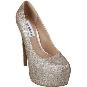 Steve Madden Dejavu Gold Glitter Platform heels
